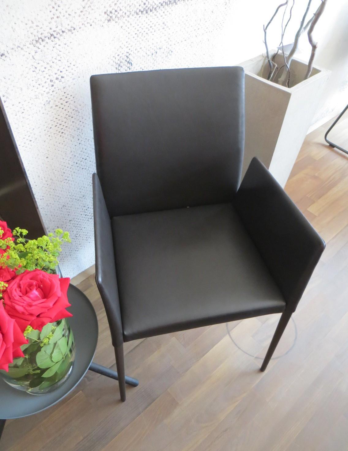 deen 1606 stuhl mit armlehnen. Black Bedroom Furniture Sets. Home Design Ideas