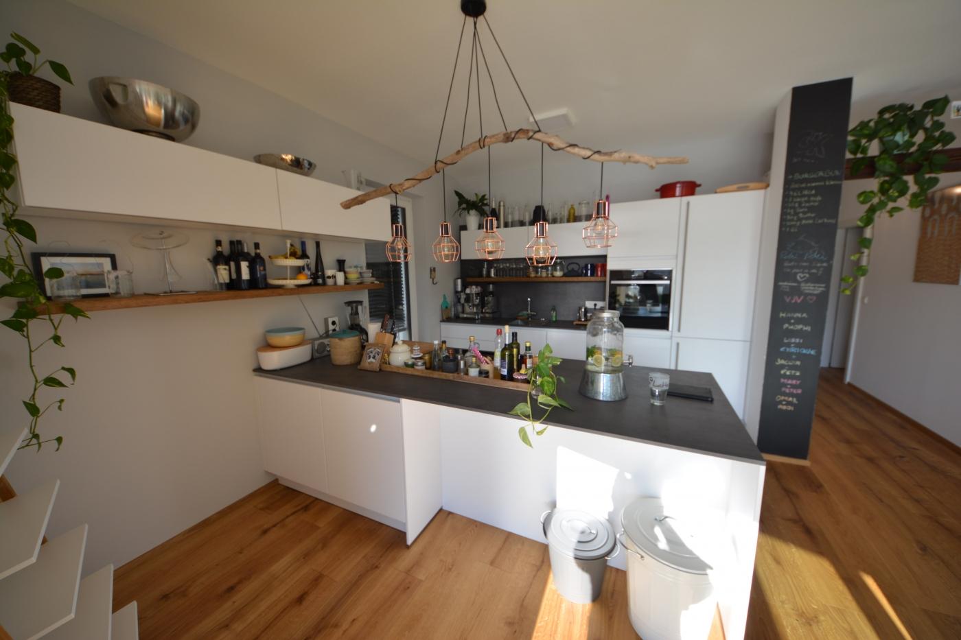 k che z in graz. Black Bedroom Furniture Sets. Home Design Ideas